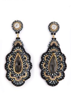 What about beaded earrings? Well, earrings are mostly made of metal, enamel and precious stones, some of us think. Earrings are fancy and expensive! Seed Bead Jewelry, Seed Bead Earrings, Beaded Earrings, Earrings Handmade, Beaded Jewelry, Handmade Jewelry, Cz Jewellery, Drop Earrings, Fashion Jewellery