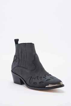Deena & Ozzy Rodeo Metal Detail Cheslea Boots in Black