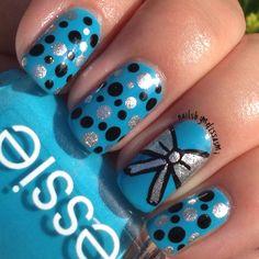 My bow & polka dot nails