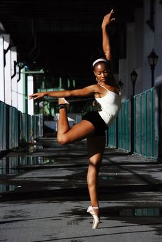 I miss ballet! Black Dancers, Ballet Dancers, Ballet Shoes, Ballet Beautiful, My Black Is Beautiful, Gorgeous Women, Beautiful People, Black Ballerina, Misty Copeland