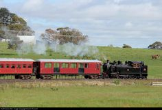 A regular train from Glenbrook descends the grade near Cornwall Road. Locomotives can be turned at Glenbrook steel mill but a turntable is being installed. The Ww class was introduced in 1913 and mostly built at Hillside Dunedin. Steel Mill, British Rail, Locomotive, Cornwall, Turntable, New Zealand, Train, Classic, Building