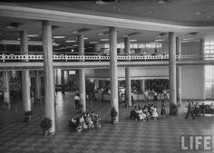 Saguão do Aeroporto de Congonhas - São Paulo, 1947 - Viaje no tempo com mais de 60 fotos gigantes, lindas, raras e inéditas! (thread pesadíssimo, mas vale a pena) - SkyscraperCity