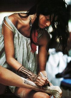 bohemian+-+boho+-+hippy+-+hippies+-+indian+-+henna+-+henna+paint+art+-+tattoos+-+native+american+via+pinterest.jpg 500×690 pixels