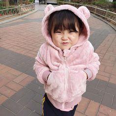 Cute Asian Babies, Korean Babies, Cute Babies, Baby Kids, Cute Baby Meme, Life Skills Kids, Ulzzang Kids, Cute Bears, Baby Fever