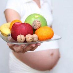 La ingesta de hierro es esencial en el embarazo y en esta semana 8, ya que una gran parte la utiliza la madre para aumentar la cantidad de sangre en un 50% y el resto el feto y la placenta para su desarrollo. Menú semanal en la semana 8 de embarazo.