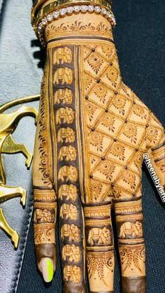 Baby Mehndi Design, Rose Mehndi Designs, Legs Mehndi Design, Back Hand Mehndi Designs, Stylish Mehndi Designs, Latest Bridal Mehndi Designs, Henna Art Designs, Mehndi Designs For Girls, Mehndi Design Photos