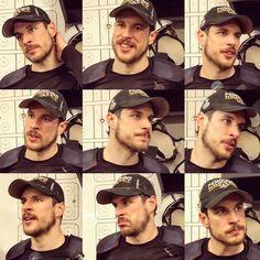 Sidney Crosby Penguin Love, Man O, Sidney Crosby, World Of Sports, Pittsburgh Penguins, Hockey Players, Ice Hockey, Future Husband, Pens