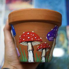 Flower Pot Art, Clay Flower Pots, Flower Pot Crafts, Ceramic Flower Pots, Clay Pot Crafts, Clay Pots, Painted Plant Pots, Painted Flower Pots, Mushroom Paint