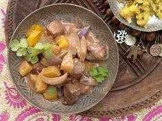 Ein typisch indisches Gericht. Tandoori-Lammgeschnetzeltes - mit Ananas und Kokosmilch - smarter - Kalorien: 463 Kcal - Zeit: 20 Min. | eatsmarter.de