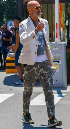 Mens Fashion Hipster – The World of Mens Fashion Old Man Fashion, Camo Fashion, Urban Fashion, Mens Fashion, Fashion Outfits, Pantalon Cargo, Casual Outfits, Men Casual, Herren Outfit