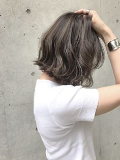 Korean Short Hair, Short Hair Cuts, Girl Haircuts, Bob Hairstyles, Middle Length Hair, Cool Brown Hair, Medium Hair Styles, Short Hair Styles, Hair Arrange