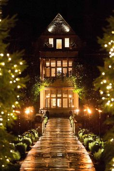 Get away from it all at one of the best boutique hotels UK has and enjoy stunning rooms and beautiful surrounds at these luxury Hotels UK. Luxury Hotels Uk, Best Boutique Hotels, Best Hotels, Suite Room Hotel, Hotel Suites, Hilton Hotels, Marriott Hotels, Cafe Venue, Romantic Hotel Rooms