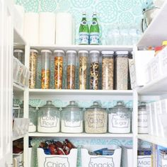 16 Organized Pantries That Are Serious #2017Goals