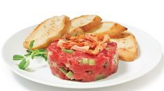 Geneviève Everell's beef & bacon tartare Beef Bacon, Salmon Burgers, Sushi, Appetizers, Nutrition, Healthy Recipes, Meals, Dishes, Cooking
