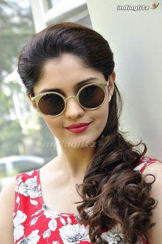 Surabhi with spets. Most Beautiful Bollywood Actress, Tamil Actress Photos, Telugu Cinema, Swag Style, Telugu Movies, Still Image, Round Sunglasses, Hollywood, Actresses