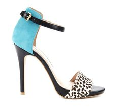 wow, these heels are way too cute :) blue + spots look adorable together