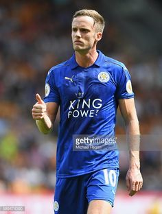 News Photo : Andy King of Leicester City in action during the...