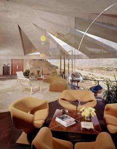 Mid century modern House for Mr Arthur Elrod, Palm Springs, California, Elrod house, architect John Lautner. Retro Interior Design, Mid-century Interior, Interior Design Inspiration, Interior Architecture, Interior And Exterior, John Lautner, Palm Springs, World Of Interiors, Salas Lounge