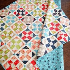 I have another new quilt pattern to share using our upcoming Walkabout fabric collection! This one is my Pathways Layer Cake + Jelly Roll Quilt pattern, and it's so much fun! The patchwork bloc Scrap Quilt, Jellyroll Quilts, Easy Quilts, Mini Quilts, Quilt Blocks, Small Quilts, Layer Cake Quilt Patterns, Layer Cake Quilts, Jelly Roll Quilt Patterns