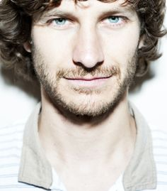 My man Gotye! Not gonna lie, I kinda got a man-crush on this dude. BUT MOSTLY BECAUSE HE'S A GOOD MUSICIAN