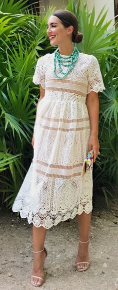 Throw it back with this classic shift dress silhouette boasting fall-ready crochet lace. With Your Ingenuity Crochet Dress in White featured by carriebradshawlied Blog Guatemala Travel Para obtener información, acceda a nuestro sitio https://storelatina.com/guatemala/travelling