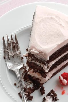 A tasty homemade devil's food cake. King Author Flour, Just Desserts, Delicious Desserts, Sugar Bread, Cake Shapes, Bakery Recipes, Flour Recipes, Devils Food, Just Cakes