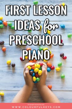 Learn piano Online - - Learn piano Beginner Lesson Plans - Learn piano Videos By Ear Learn Piano Beginner, Piano Lessons For Kids, Piano Lessons For Beginners, Kids Piano, Preschool Lessons, Art Lessons, Piano Teaching, Learning Piano, Teaching Tips