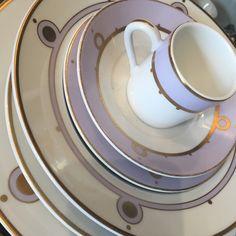 Saint Ouen, Tables, Tableware, Mesas, Dinnerware, Tablewares, Dishes, Place Settings