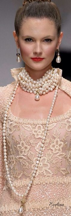 pearls.quenalbertini: Pearl Necklace and Earrings | Evelina