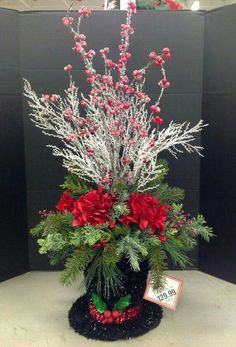 Christmas 2015 by Andi Winter Floral Arrangements, Christmas Flower Arrangements, Holiday Centerpieces, Christmas Design, Christmas Projects, Christmas Holidays, Christmas Wreaths, Christmas Tabletop, Outdoor Christmas Decorations