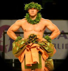 Kahiko - Ancient hula before Western influence. Polynesian Dance, Polynesian Men, Polynesian Islands, Hawaiian Islands, Hawaiian People, Hawaiian Dancers, Hawaiian Art, Hawaii Hula, Aloha Hawaii