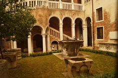 Prenota Scala Contarini del Bovolo, Venezia su TripAdvisor: trovi 555 recensioni, articoli e 246 foto di Scala Contarini del Bovolo, n.30 su TripAdvisor tra 342 attrazioni a Venezia.
