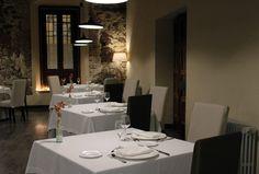 Restaurante del Hotel Palacio Carvajal Girón, en Plasencia (Cáceres) Un edificio Histórico con decoración moderna.