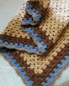 Chal granny pendiente de ser bloqueado #tricotandoenmisofa #lanasalpaca #ganchillocreativo #ganchillo #crochet #crochetting #instacrochet #ganchilleando #granny #shawlcrochet by eva_tricotando_en_mi_sofa