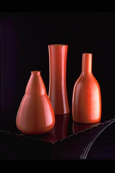 Robert Kuo's Persimmon Peking Glass Vases Organic Form, Decorative Objects, Accent Pieces, Modern Lighting, Home Furnishings, Glass Vase, Vases, Craft, Red