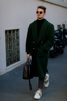 Street Style Archives - Page 10 of 186 - Best Dressed Man on the Planet Man Street Style, Men Street, Best Mens Fashion, Look Fashion, Fashion Coat, Street Fashion, Coat Dress, Men Dress, Moda Indie