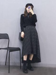 all black outfit turtleneck midi skirt Korean Street Fashion, Korea Fashion, Muslim Fashion, Asian Fashion, Modest Fashion, Look Fashion, Skirt Fashion, Hijab Fashion, Fashion Dresses
