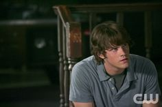 """""""Everybody Loves A Clown"""" Jared Padalecki as Sam Winchester stars in SUPERNATURAL on The CW. Michael Courtney/The CW ©2006 The CW Network, LLC. All Rights Reserved.in SUPERNATURAL on The CW"""