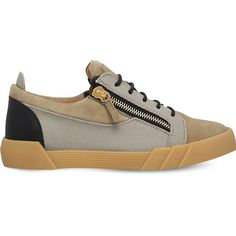 Giuseppe Zanotti Lo Shark Gum trainers ($565) ❤ liked on Polyvore featuring men's fashion, men's shoes, men's sneakers, giuseppe zanotti mens sneakers, mens lace up shoes, mens shoes and mens sneakers