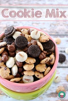 This Cookie Mix is perfect for movie night! Gather up the kids, put in a favorite movie and enjoy this easy snack! #cookie #snackideas by lo...