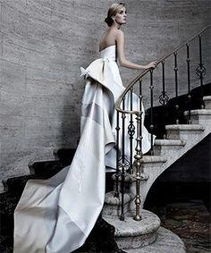 #Gown by# CarolinaHerrera#Armani #LadiesFashions #WomenFashions  #WomenWear #FashionTheory #ReadyToWear #HauteCoutre #StyleFashion