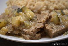 Seitán con salsa de calabacín y cebolla en HazteVegetariano.com