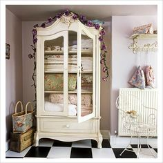 Home Organizing: Linen Storage Ideas Furniture Inspiration, Room Inspiration, Linen Cupboard, Bedroom Cupboards, Bed Linen Design, Linen Storage, Barbie Dream House, Home Organization, Organizing