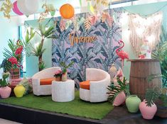 Vivienne's Tropical Pink Flamingo Themed Party – Birthday Warm Colors, Pastel Colors, Vivid Colors, Edible Flowers, Pink Flowers, Party Themes, Party Ideas, Different Shades Of Pink, Painted Leaves