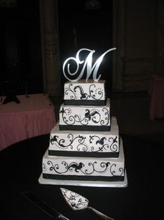 Love it. Just needs to be apple red. My Photo Album Wedding Cakes Photos on WeddingWire
