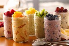 Veja aqui como fazer um lanche de frutas super saudável e prático, o overnights oats, uma receita que vem direto dos Estados Unidos!