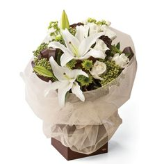 """Latte"" Bouquet wif Chocolate Flax, White Lilies n Berzelia Berries"