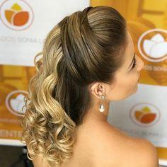 Discover penteadossonialopes's Instagram Boa noite ❤️❤️❤️ #PenteadosSoniaLopes ✨ . . . #sonialopes #cabelo #penteado #noiva #noivas #casamento #hair #hairstyle #weddinghair #wedding #inspiration #instabeauty #penteados #novia #inspiração #cabeleireiros #lovehair #videohair #curl #curls #noivasdobrasil #vireinoiva #noivassp #noivas2017 #noivas2018 #cabelos #cursosdepenteados 1648936191079594809_1188035779