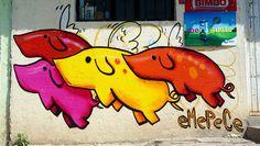 Piara voladora en Querétaro, México (2014)  pintada por el grupo EMEPECE de Argentina*** Flying Pigs in Queretaro, Mexico (2014) painted by the group EMEPECE from Argentina