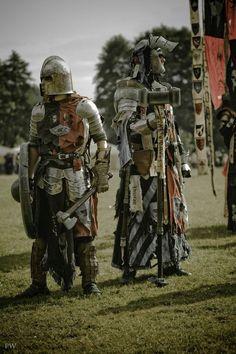 Gotta love Untotes Fleisch! Wat een fantastische kostuums kom je tegen in de linie's van de ondoden ^^ Larp, Medieval Armor, Medieval Fantasy, Fantasy Character Design, Character Art, Conquest Of Mythodea, Dystopia Rising, Grey Knights, Armadura Medieval